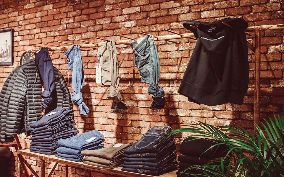Jeansecke im Warth-Men-Store in Laupheim