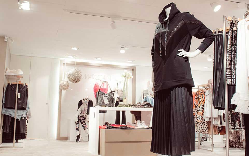 Kleiderpuppe im Modehaus Keller-Warth in Biberach